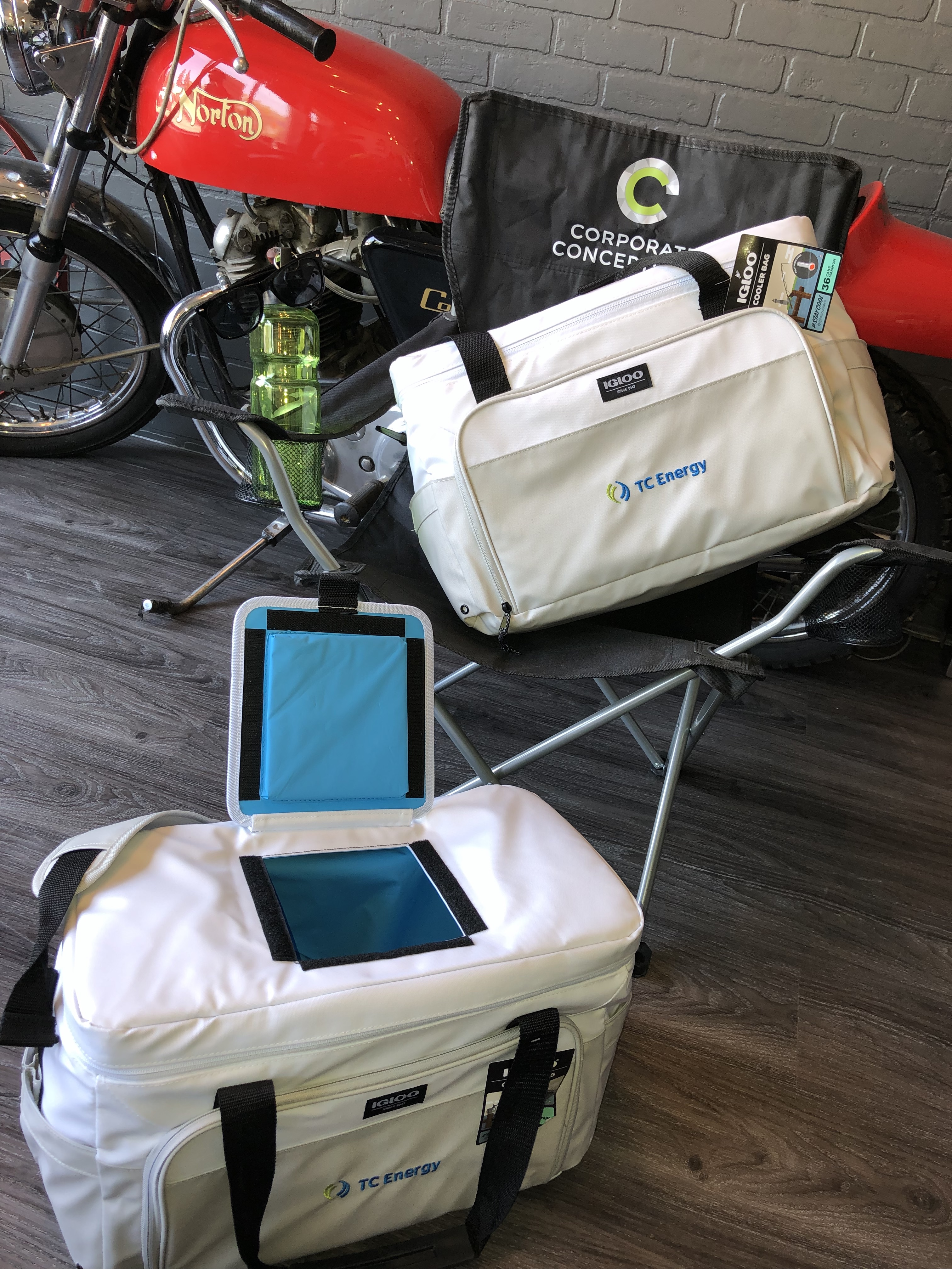 insulated-cooler-bags-corporate-concepts-winnipeg